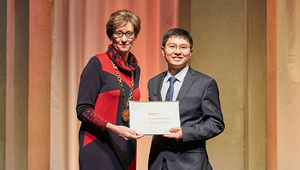 Wenfeng Liu received the Otto Jaag Water Protection Prize 2018 at the official ceremony on 17 November 2018.
