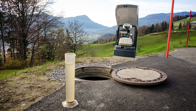 This decentralised wastewater treatment installation in the Canton of Schwyz treats the wastewater produced by one family. (Photo: Mariane Schneider)