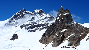 The research station on the Jungfraujoch, where researchers collected rainwater every week for two years. (Image: flickr)