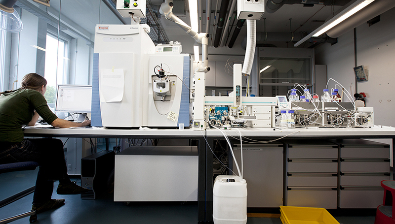 With mass spectrometry, even minute traces of substances can be detected. (Photo: Raoul Schaffner)