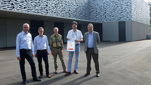 (LTR): Rik Eggen (Deputy Director Eawag), Marcel Stoll (Project leader 3 FI Construction section), Thomas Lichtensteiger (Head Eco-Team Eawag), Andreas Müller (Architect), Rainer Bendel (General contractor, Helbling Beratung + Bauplanung)
